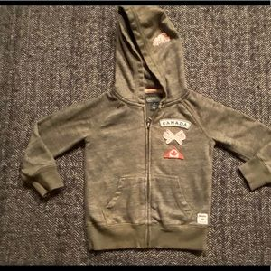 Roots hoodie with classic beaver log and more size 3T